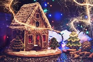Картинка Новый год Выпечка Дома Пряничный домик Дизайн Шишки Гирлянда Еда