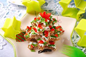 Обои Новый год Бутерброды Елка Звездочки Еда фото