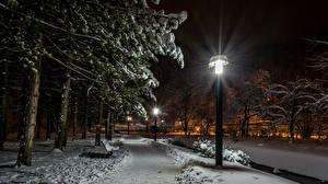 Обои Загреб Хорватия Парки Зима Снег Деревья Уличные фонари Ночь Samobor Природа фото