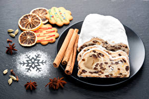 Фотография Кекс Корица Печенье Бадьян звезда аниса Изюм Снежинки Тарелка Еда