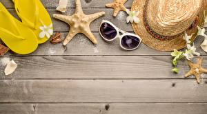 Обои Морские звезды Лето Очки Вьетнамки Шляпа Доски Шаблон поздравительной открытки фото