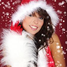 Фотография Рождество Лицо Шатенка Улыбка Снежинки Девушки