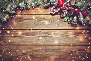 Фотографии Новый год Праздники Доски Шишки Колокольчики