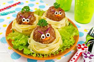 Фотографии Смайлы Мясные продукты Овощи Дизайн Макароны Тарелка Еда