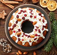Обои Новый год Выпечка Пирог Корица Орехи Шишки Еда фото
