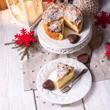 Фотография Новый год Пирог Тарелка Снежинки Вилка столовая Кусок Еда