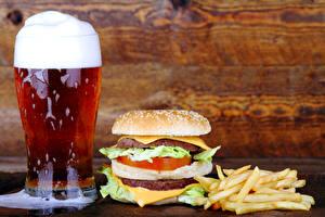 Картинка Пиво Гамбургер Картофель фри Булочки Быстрое питание Стакане Пена
