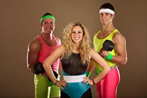 Фото Фитнес Мужчины Три Блондинка Униформа Улыбка Спорт Девушки