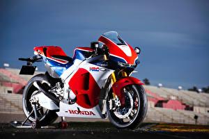 Фотографии Honda - Мотоциклы Сбоку 2015-16 RC213V-S