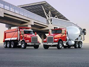 Обои Кенворт Грузовики Двое Красный Металлик T800 Автомобили