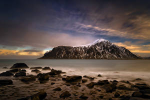 Обои Лофотенские острова Норвегия Вечер Озеро Камни Небо Горы Skagsanden Beach Природа фото