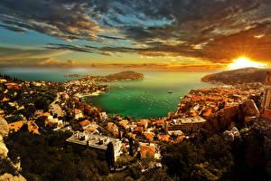 Картинка Монако Здания Побережье Рассвет и закат Небо Пейзаж Облако French Riviera Города