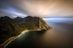 Обои Норвегия Побережье Вечер Лофотенские острова Горы Kvalvika Beach Природа фото