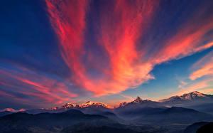 Обои Пейзаж Небо Горы Рассветы и закаты Ночь Облака Природа фото