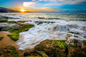Обои Пейзаж Тропики Побережье Рассветы и закаты Волны Камни США Океан Гавайи Природа фото