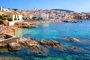 Обои Испания Курорты Дома Побережье Камни Calella Catalonia Города фото