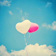 Обои День святого Валентина Небо Воздушные шарики Двое Серце