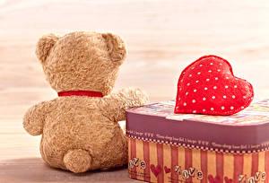 Картинки День всех влюблённых Мишки Спина Сердце Чемодан