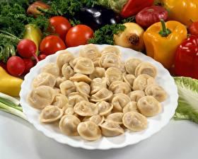 Обои Овощи Перец Пельмени Тарелка Еда фото