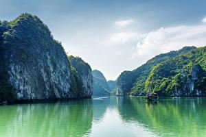 Обои Вьетнам Море Бухта Скала Залив Halong Bay Природа фото