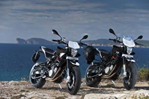 Обои Побережье Двое 2012-16 Husqvarna Nuda 900 Мотоциклы фото