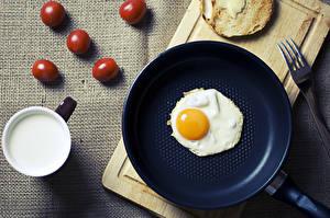 Обои Яйца Яичница Сковородка Завтрак Еда