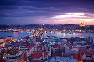 Обои Стамбул Турция Дома Реки Мосты Вечер Небо Города фото