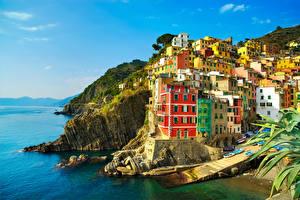 Картинки Лигурия Италия Берег Дома Утес Riomaggiore Города