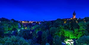 Обои для рабочего стола Люксембург Замки Мосты Ночные Дерево город