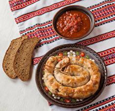 Картинки Мясные продукты Хлеб Тарелке Кетчупом