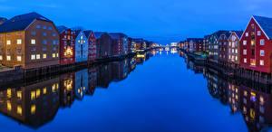 Обои Норвегия Дома Вечер Водный канал Отражение Trondheim Города фото