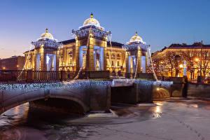 Обои Санкт-Петербург Дома Реки Мосты Зима Вечер Гирлянда Lomonosov Bridge Города фото