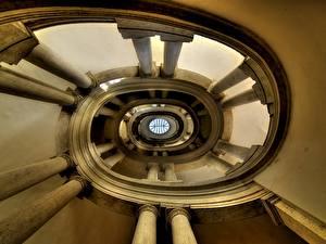 Картинки Лестница Колонна Вид снизу