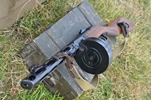 Фотографии Пистолет-пулемёт Крупным планом PPSh-41 Армия