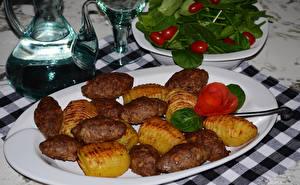 Обои Вторые блюда Мясные продукты Картофель Тарелка Еда фото