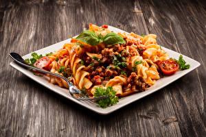 Фото Вторые блюда Макароны Тарелка Вилка столовая Еда