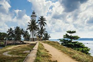 Обои Тропики Шри-Ланка Маяки Побережье Пальмы Облака Galle Природа фото