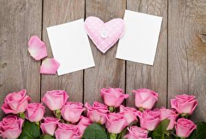 Обои День святого Валентина Розы Доски Шаблон поздравительной открытки Розовый Сердце Цветы фото