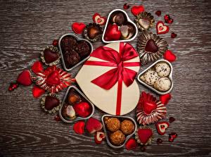 Обои День святого Валентина Сладости Конфеты Шоколад Подарки Сердце Бантик Еда фото