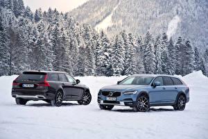 Обои Volvo Зима Двое Снег 2016-17 V90 D5 Cross Country Worldwide Автомобили фото