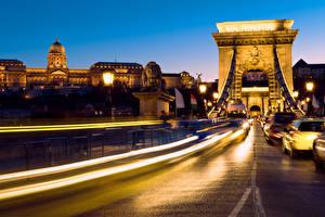 Обои Будапешт Венгрия Дома Мосты Дороги Ночь Уличные фонари Движение Города фото