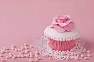 Картинки Капкейк кекс Розы Жемчуг Пирожное Розовый Продукты питания
