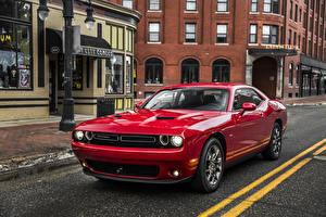 Обои Додж Красных Металлик 2017 Challenger GT AWD автомобиль