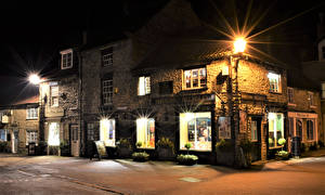 Картинки Англия Дома Ночь Уличные фонари Улица Helmsley North Yorkshire Города