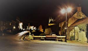 Обои Англия Здания Улиц Ночью Уличные фонари Скамейка Helmsley North Yorkshire Города