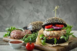 Обои Фастфуд Гамбургер Булочки Мясные продукты Помидоры Еда фото