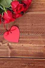 Обои Праздники Розы Доски Красный Сердце Цветы фото