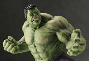 Картинка Халк герой Игрушки Зеленый Злость Мышцы Руки Фэнтези