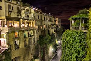 Фото Италия Здания Сорренто Улица Ночные Города
