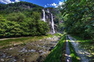 Обои Италия Водопады Камни Ручей Скала Тропа Acquafraggia Sondrio Lombardy Природа фото
